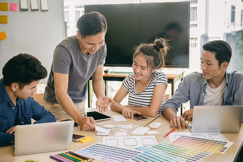 Navigating the 5 Phases of the Product Design Process: Getting From Idea to Finished Product